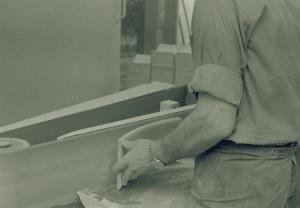 Putsning av ryggbricka baksida Josef Tingåker 1964