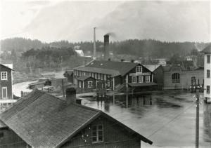 Snickerifabriken med Svartån och en bit av hamnen